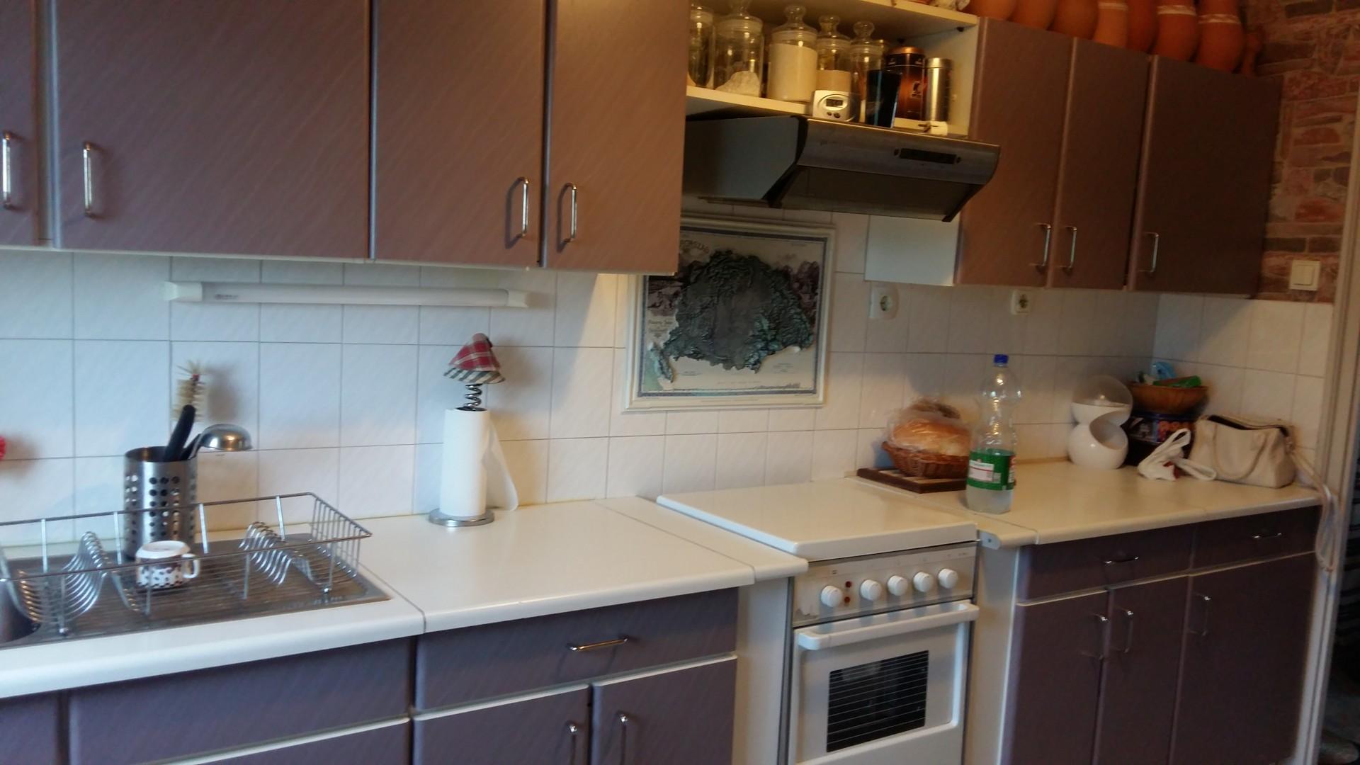 Tatai 3 szobás  jó állapotú lakás eladó